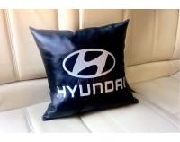 """Автоподушка с вышивкой логотипа """"Hyundai"""""""